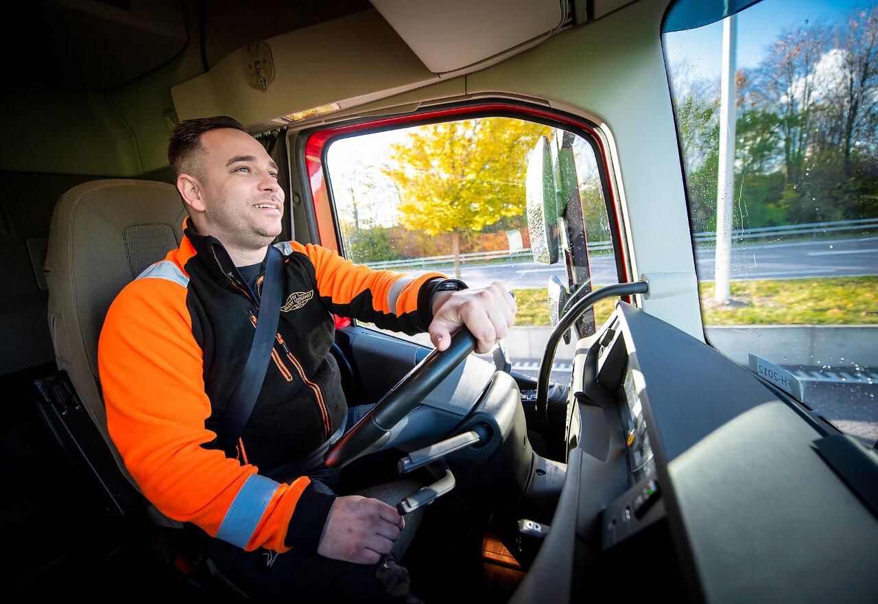 Sök jobb hos oss som lastbilschaufför
